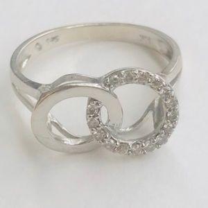 Jewelry - 14k diamond double circle ring